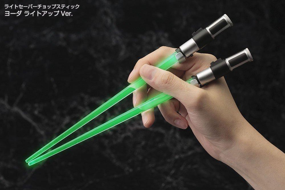 lightsaber-chopsticks-star-wars